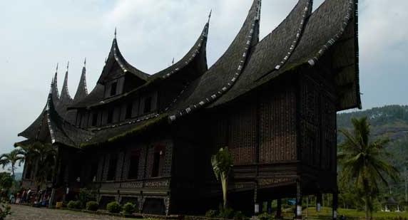 Visiter Padang Et Ses Environs